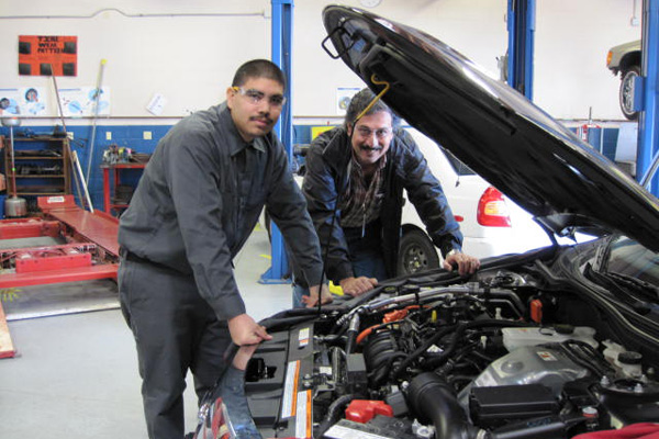 Auto Repair Mechanics